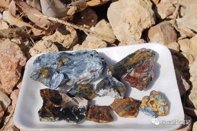 纳米比亚彼得石(Pieterite)图片及详细介绍【与淅川虎睛石的区别】