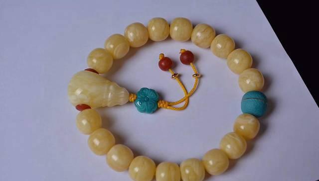 琥珀蜜蜡手链,影响琥珀蜜蜡手链价格的因素有哪些