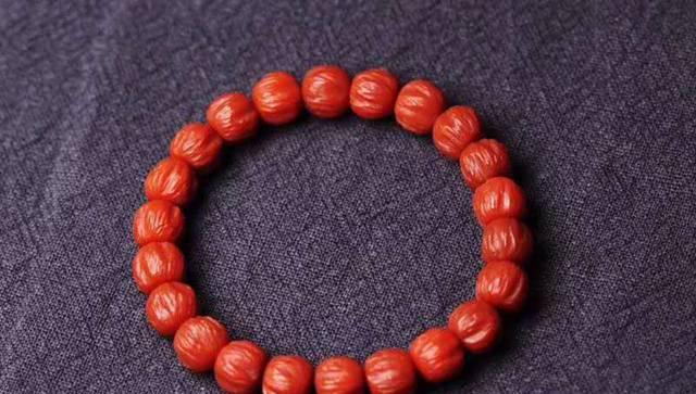 如何从南红玛瑙手串批发商手中购买到优质南红玛瑙手串