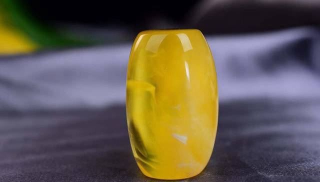金绞蜜蜡图片,金绞蜜蜡的奇妙之处在于其纹理