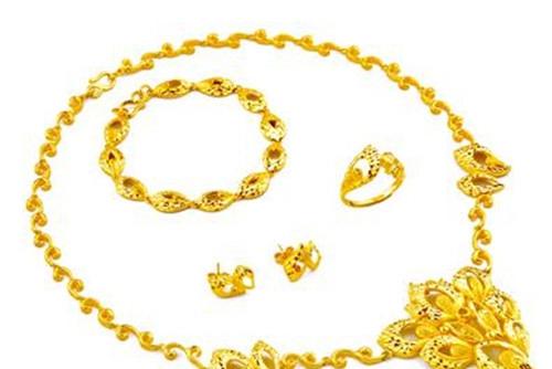 黄金项链价格一般多少  如何选购黄金项链_婚戒首饰