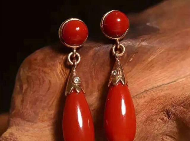 佩戴南红耳环有何好处,南红耳环你戴对了吗