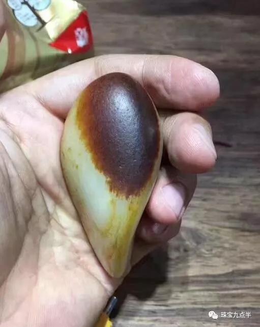 红皮籽料价格【一克万元的红皮籽料,你觉得值吗?】