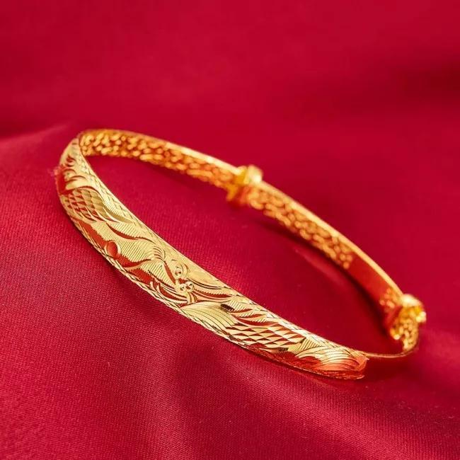 买黄金手镯好还是手链好?黄金手镯和黄金项链买哪种好?【对比揭秘】