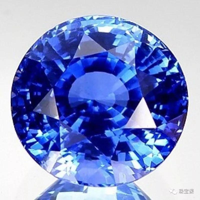 蓝宝石象征意义是什么?蓝宝石购买价格指导