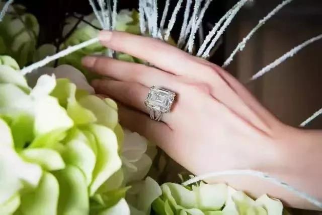 戒指的叠戴方法技巧,正确挑选适合叠戴的戒指