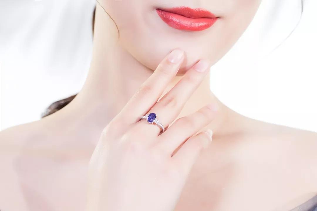 彩色蓝宝石有几种颜色?彩色蓝宝石选购指南