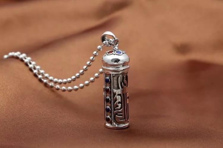 银饰的工艺都有哪些?银饰便宜货,戴了太丢人?用这个方法改进,就能升值、传世当传家宝