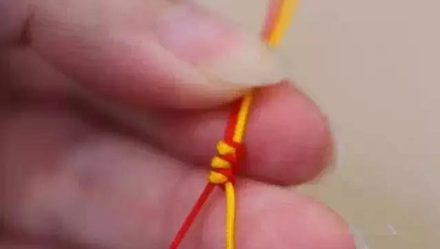 金刚结、凤尾结、吉祥结,本命年超美的红绳手链编法!【图文+视频】