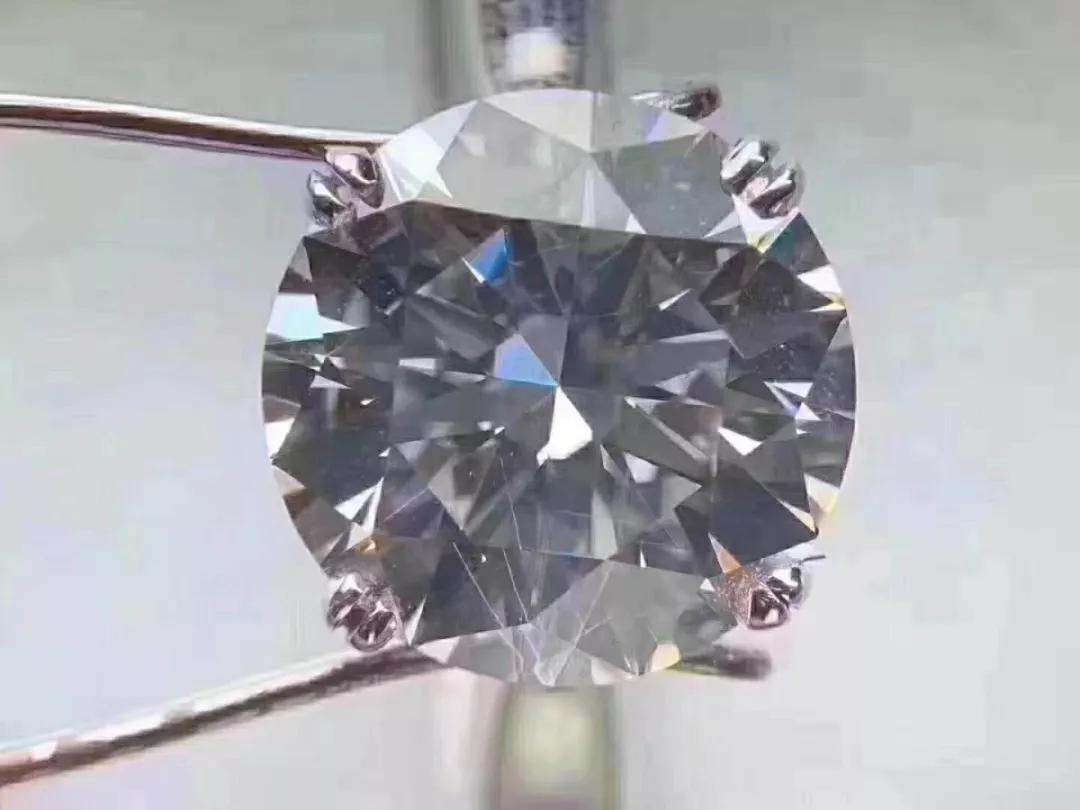 5克拉的钻石只要8块钱?鉴定费2000块坑人的吧?