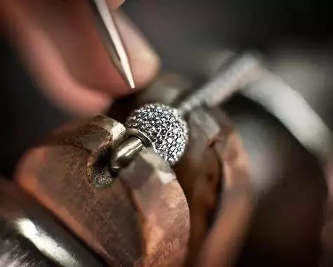 银饰居然能卖到金子的价格?潘多拉究竟有什么魔力?