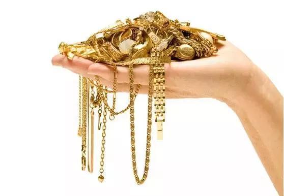 你佩戴的黄金首饰为什么会掉色?问题出在哪?