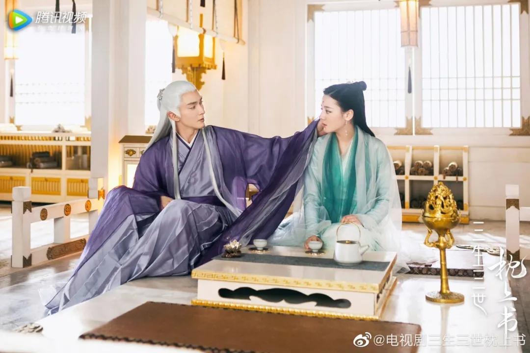 凤九殿下,你戴的那个手镯,真不是茶晶的...