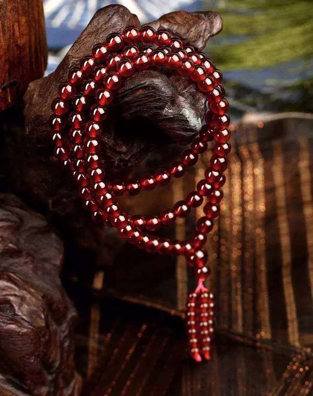 珠宝也会相生相克,这些珠宝首饰千万别一起戴!
