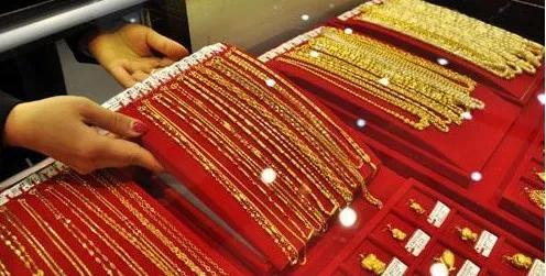 黄金首饰回收为什么老是遇到麻烦?看完你就明白了!