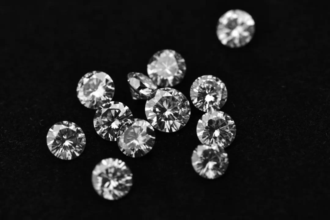 莫桑钻暴跌!从3000跌到100,说好的取代钻石呢?