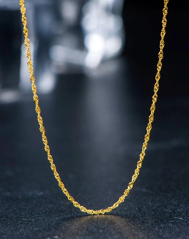 周x福的金项链竟能被磁铁吸起来?难道真的产品有问题?