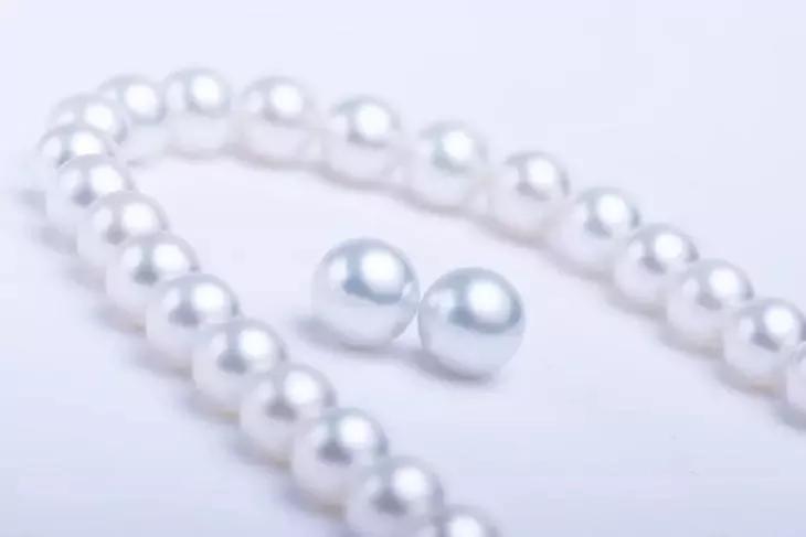 """市场上99%的珍珠一碰就掉皮,还卖的死贵!这个""""锅""""谁来背?其实吧....."""