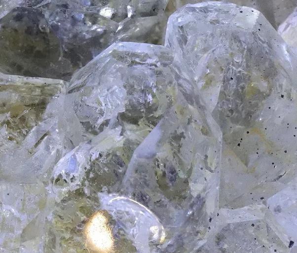 萤石是怎样形成的呢?太美了!这种彩虹石头美到无法呼吸!