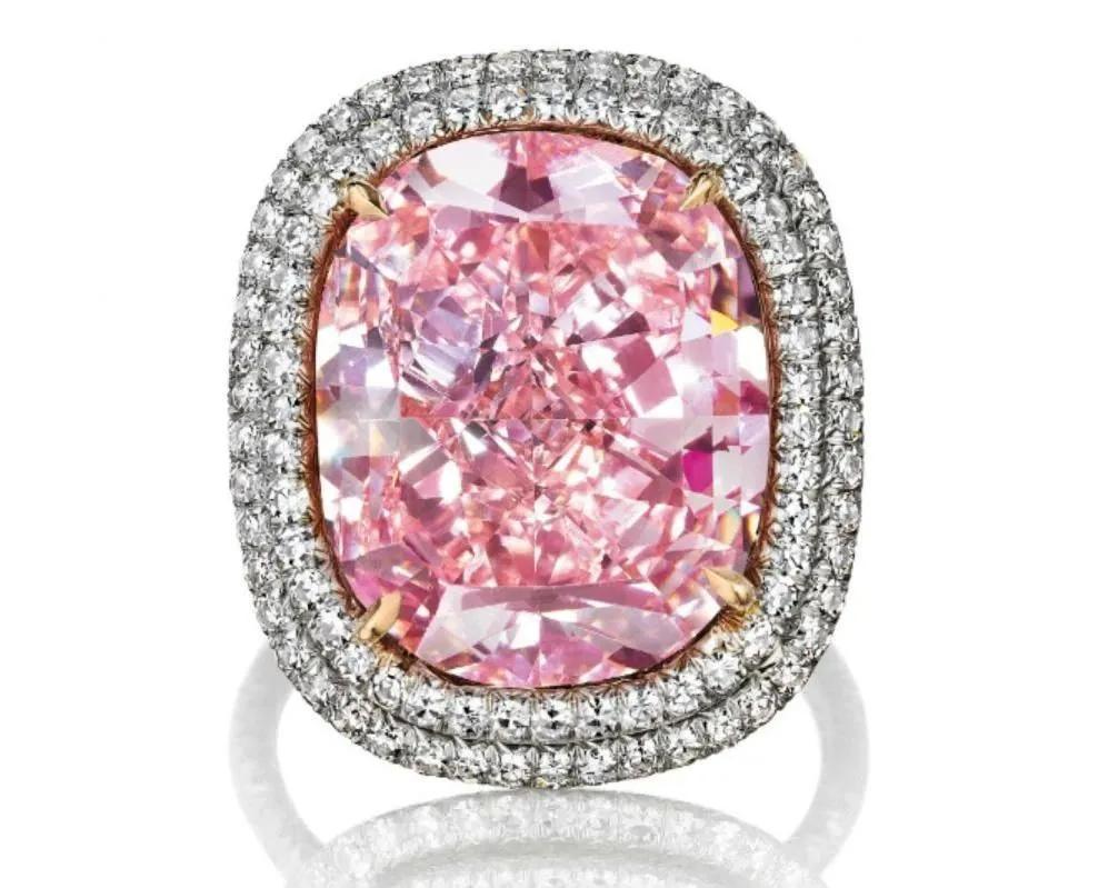 刷新拍卖纪录的十大珠宝,有三个都在这个中国人手里