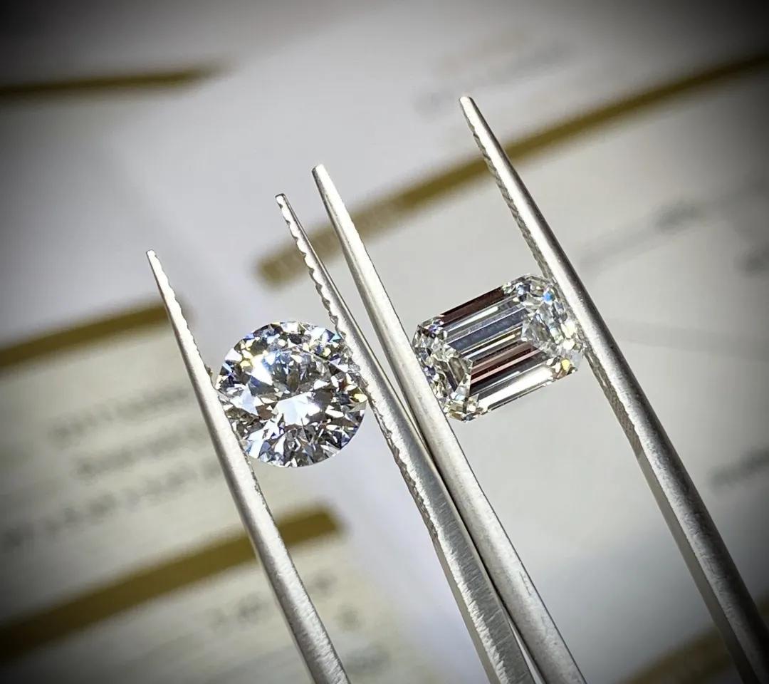 钻石价格其实很透明,我来告诉你计算方法