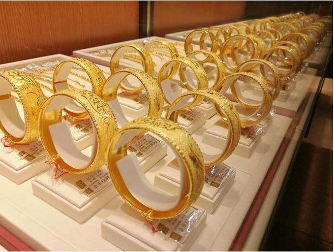 买黄金手镯,实心、镂空、空心哪种更好?
