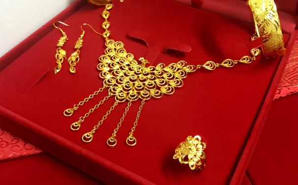 达州结婚选择黄金的还是钻石?