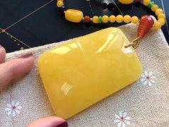 琥珀蜜蜡大全!鸡油黄、金绞蜜、白花蜜..以后不会买错了!