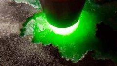 翡翠原石色料都有哪些特点 通过翡翠的癣来选翡