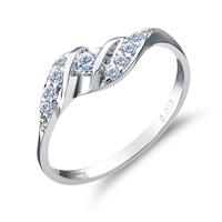 如何区别订婚戒指和结婚戒指