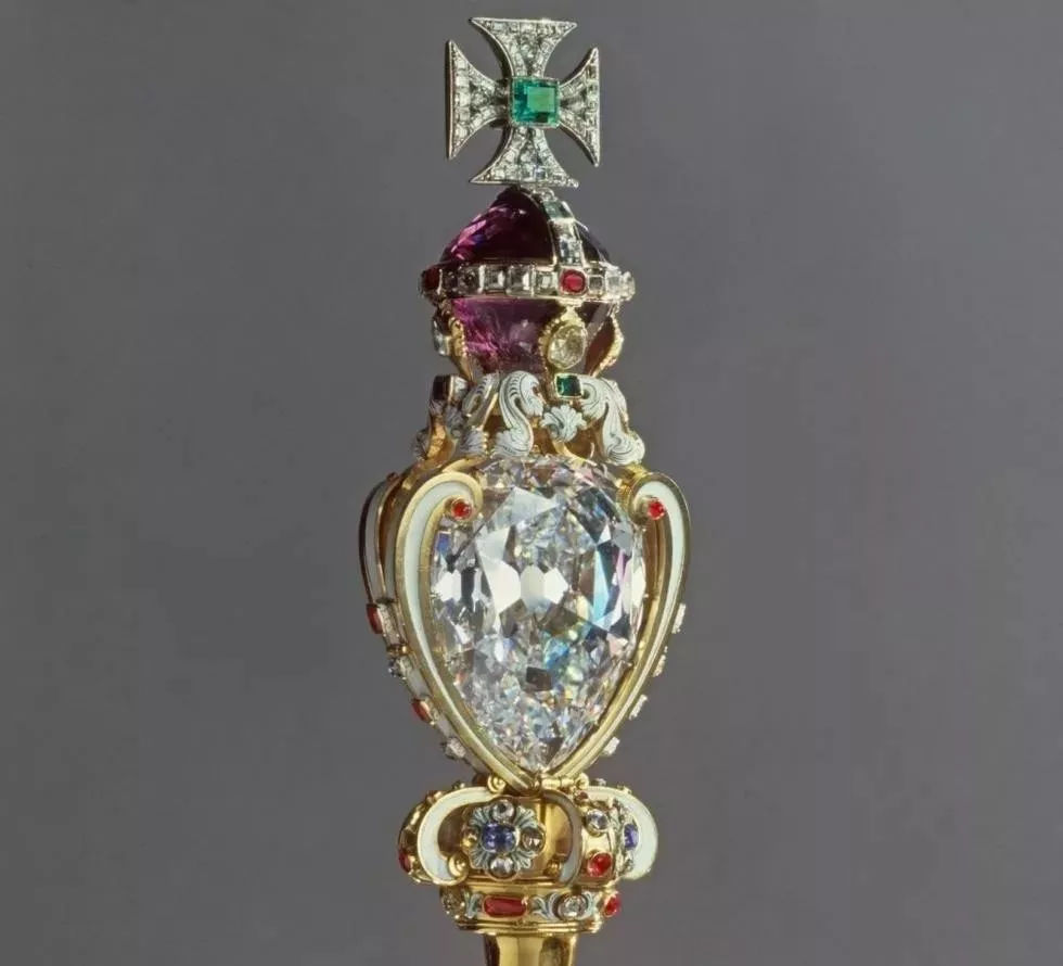 哪种形状的钻石最显大?哪种最便宜?【吴京婚