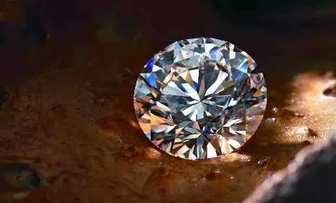 买钻石千万别说这三句话,店员一听就知道你懂不懂