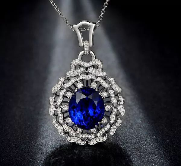 爱更爱钻石告诉你想买蓝宝石?这五个问题先看懂