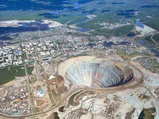 世界最大的露天钻石矿场之一 米切尔钻石矿场
