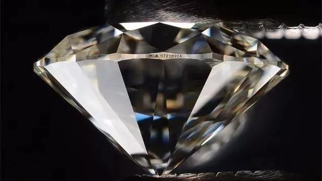 """最顶级的""""A色净水钻"""",你以为有钱就能买到?"""