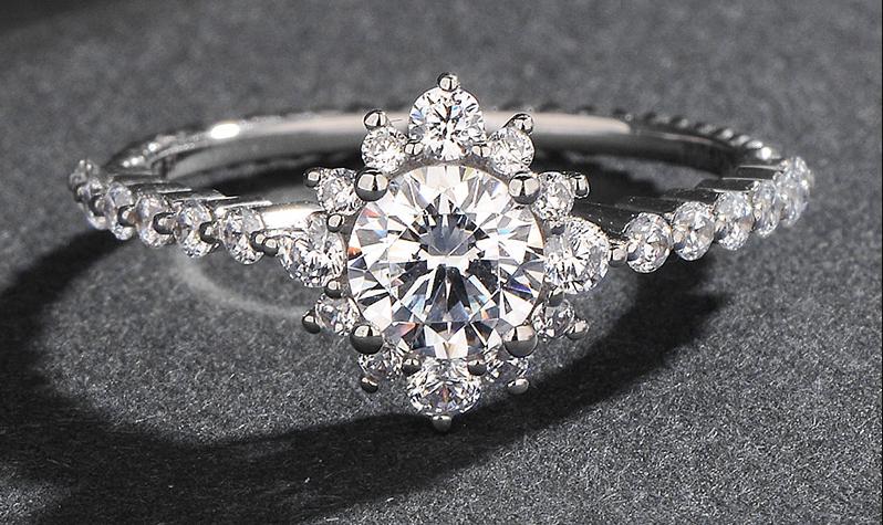 定制求婚钻戒的好处竟然那么多?