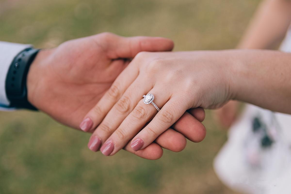 达州哪里可以定制结婚求婚钻石戒指?