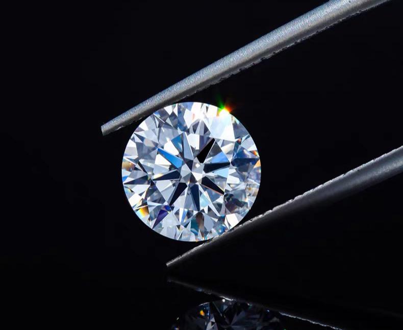 6种快速鉴别真假钻石的小技巧,三分钟炼成火眼金睛!