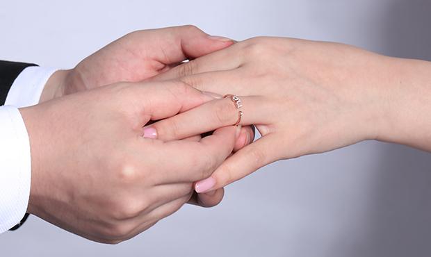 为什么女生都爱钻石?