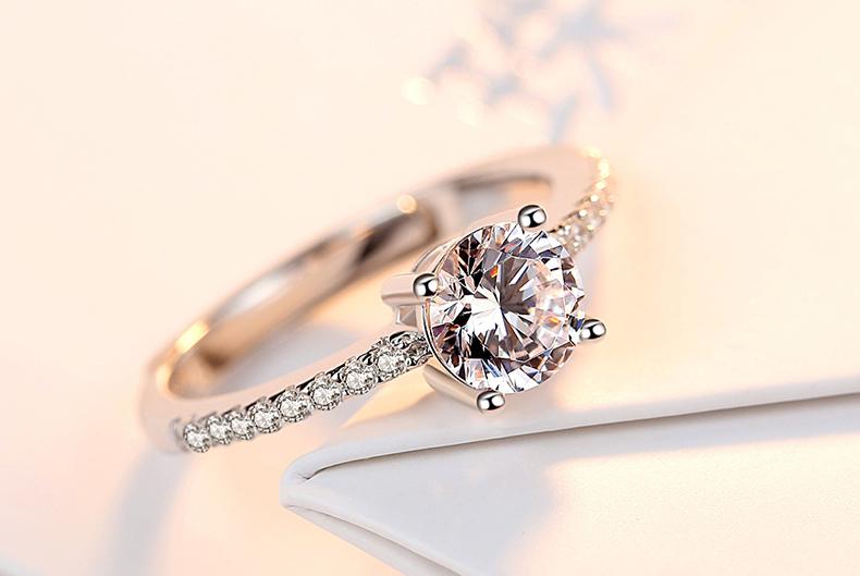结婚钻戒到底该买多少钱的才合适?